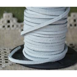 Кожена лента велур 3х2 мм - бяла